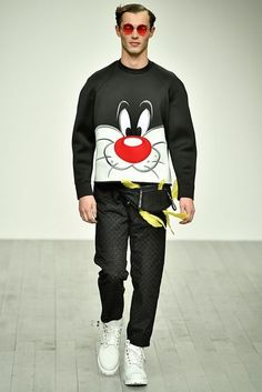 See all the Collection photos from Bobby Abley Autumn/Winter 2018 Menswear now on British Vogue Bobby Abley, Boy Outfits, Fashion Outfits, Fashion Sites, Mens Fashion 2018, Mens Trends, Boys T Shirts, Nike, Fall Winter
