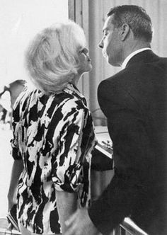 One of the last known photos with Marilyn Monroe kisses ex-husband and good friend Joe DiMaggio goodbye as she prepares to board a plane to Mexico for a quick trip to pick up furniture for her new home. Robert Kennedy, Jackie Kennedy, Harry Belafonte, Joe Dimaggio, Maria Callas, Madison Square Garden, Judy Garland, Norma Jean Marilyn Monroe, Norma Jeane