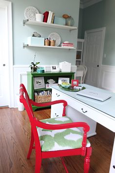 Red and Kelly Green. I love the color combo in this Office/Craft Room @BowerPower