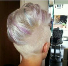 Hair shade tendencies come and go nevertheless bleach blonde hair shade has always been the distinctive hair shade thought that will make you look pat. Bleach Blonde Hair, Blonde Hair Shades, Blonde Color, Short Hair Cuts, Short Hair Styles, Funky Hairstyles, Blonde Hairstyles, Pastel Hair, Cool Hair Color
