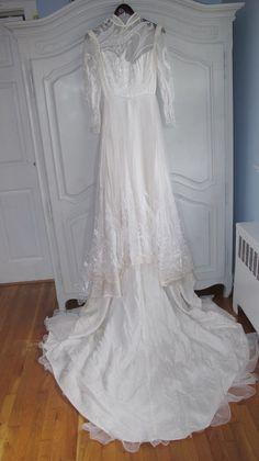 1e75b4d248 Sposabella by Demetrios. mid 1980s Vintage Bridal