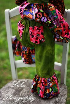 Easy free tutorial for adding back pockets on your girl's Create Kids Couture pants!