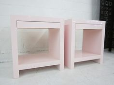 lacquered furniture