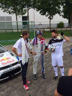 Im Vorfeld der ADAC Rallye Deutschland traf Weltmeister auf Weltmeister. Rallye-Pilot Sébastien Ogier trat mit dem #WRCPolo gegen den Bayern-München-Kicker zum verrücktesten 11-Meter-Schießen an. Natürlich ebenfalls mit von der Partie: _unser Moderator Florian Ambrosius Offizielle Fanseite im Team Ogier! #GOgier #RallyeDeutschland #RALLYTHEWORLD #ExcitementWeShare #Volkswagen #WRC #Rally #Rallye #Motorsport #Drift #Fussball #dfbteam #Weltmeister #FCBayern #DFB #WorldChampions #ThomasMüller