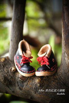 3.8公分黑色紅星大頭靴