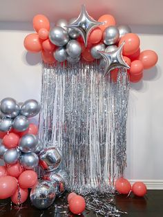 Birthday Balloon Decorations, Pool Party Decorations, Birthday Party Themes, Balloon Garland, Balloons, Graduation Party Decor, Birthday Morning Surprise, Event Design, Birthday Party Cheap