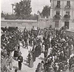 plaza junto a la casa d elso junterones (en el s. XXI Museo de la CIudad) Semana Santa en Murcia