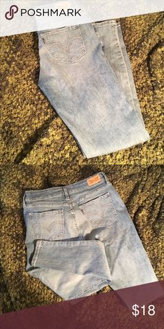 Levi's Skinny Denim Leggings Jeans These smooth Jeans are very too cute. The wash color is great and can be worn with any footwear. W/31 and L/30. I am short and usually a 30/L is perfect. The length of these are more like a 31. Levi's Jeans Skinny