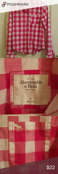 Abercrombie & Fitch button up Dark pink and white checkered A&F button up. Embroidered moose on chest pocket. Size small, fits close to a 2/4. Abercrombie & Fitch Tops Button Down Shirts