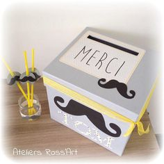 Urne boite à enveloppes thème Moustache à personnaliser Grey Yellow, Green And Brown, Mustache Decorations, Creation Deco, Bird Theme, Personalised Box, Communion, Toy Chest, Baby Boy