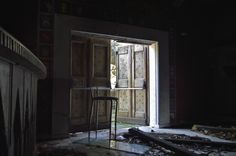 #urbex #edificidismessi #edificiabbandonati #nikonphotographer #urbanarcheology  http://alcaphotos.blogspot.it