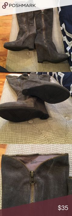 Mia suede boots Adorable mia suede boots. Great condition with a few minor scuffs visible in pics. No stains Mia Shoes Heeled Boots