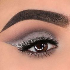 "On a silver streak and cool toned kick @glambymyra glammed up those eyes with grey tones from…"" #GlitterEyeshadow"