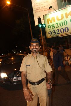 https://flic.kr/p/rCx5b1   He Was The First Happy Cop I Saw In Mumbai.. It Has Nothing To Do With My Dress
