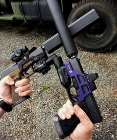 Airsoft hub is a social network that connects people with a passion for airsoft. Talk about the latest airsoft guns, tactical gear or simply share with others on this network Weapons Guns, Airsoft Guns, Guns And Ammo, Tactical Guns, Paintball Guns, Tactical Survival, Armas Airsoft, Custom Guns, Glock 17 Custom