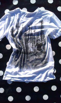 fotografia retratada #pintadoamano #camisetaspintadas #pinturadetela  susoleto