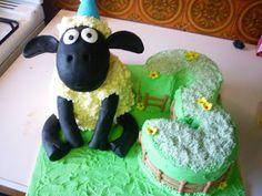 Shaun the sheep cake..