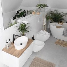 simple Bathroom Decor Paula / MyHome (tam_i_tu) In - bathroomdecor Simple Bathroom Designs, Bathroom Design Small, Bathroom Interior Design, Interior Design Living Room, Serene Bathroom, Urban Outfitters Home, Inspired Homes, Minimalist Home, Bathroom Inspiration