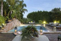 khloe kardashian house pictures - love the pool