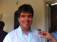 As divergências entre o presidente do PSDB da Paraíba, Ruy Carneiro, e o ex-senador Cícero Lucena parece que estão com os dias contados. Isso porque a disputa pela prefeitura de João Pessoa, em 2016, deve voltar a unir os dois. Nesta quinta-feira (08), por exemplo, Ruy defendeu o nome de Cícero para entrar na briga…