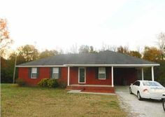 $99,900 MLS#642425  3 Bedrooms, 2 Bathrooms, 1,439 SqFt  Immaculate One-Owner Home with Recent Updates  #REMAXPlatinum #Moulton #Alabama
