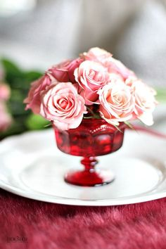 A gorgeous Valentines Day floral arrangement that is so easy to recreate with this tutorial by The House of Silverlining via A Blissful Nest.