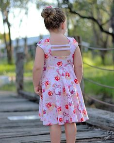 Baby Girl Frocks, Frocks For Girls, Little Girl Dresses, Flower Girl Dresses, Cotton Frocks, Girls Sizes, Cute Dresses, Summer Dresses, Baby Dress Patterns