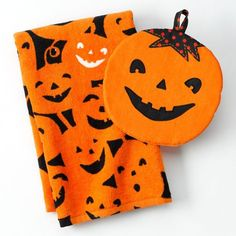 Halloween Pumpkin Kitchen Towel and Pot Holder Set Midnight Market http://www.amazon.com/dp/B009XBEYXG/ref=cm_sw_r_pi_dp_joHiub0R80PGB