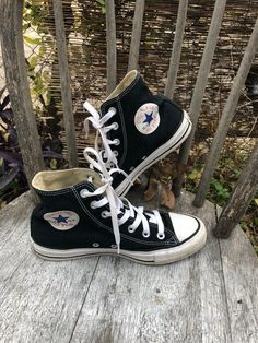 Size In used, but great condition. Logo is a bit messed up. Converse Fashion, Converse Style, Sneakers Fashion, Black Chuck Taylors, Pastel Outfit, Converse Chuck Taylor, High Top Sneakers, Logo, Cute