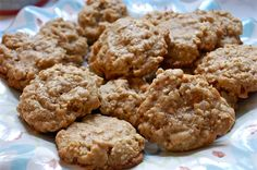 Toffee and Butterscotch Oatmeal Cookies  |  makeitbetter.net