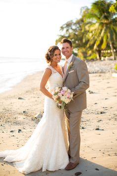 Romantic Maui Wedding at the Olowalu Plantation House: http://www.stylemepretty.com/destination-weddings/2014/06/03/romantic-maui-wedding-at-the-olowalu-plantation-house/   Photography: Kaua Wedding Photography - http://kauaweddingphotography.com/