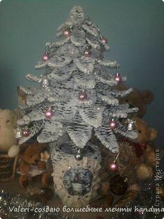 Arbol de Navidad con periódicos.
