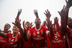 O Benfica somou este domingo o 80.º troféu da sua história futebolística, ao conquistar a edição 2016/17 da Taça de Portugal, com um triunfo por 2-1 sobre o Vitória de Guimarães, na final do Jamor.