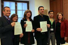 Un pueblo de Córdoba, pionero en incluir a transexuales en sus planes de empleo. Raúl Solís   Andaluces, 2015-11-01 http://www.andalucesdiario.es/ciudadanxs/un-pueblo-de-cordoba-pionero-en-incluir-a-transexuales-en-sus-planes-de-empleo/