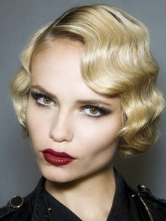 1920s Art Deco Look with Pin Curls