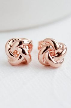 Rose Gold Knot Earrings These cute little earrings are so simple and sweet.A perfect gift! ♥ Approx in diameter Rose Gold Dipped ♥Lightweight See our other options for knot earrings below :) Bridesmaid Earrings, Bridal Earrings, Rose Gold Earrings, Stud Earrings, Gold Necklace, Cartilage Earrings, Cute Jewelry, Jewelry Accessories, Etsy Jewelry