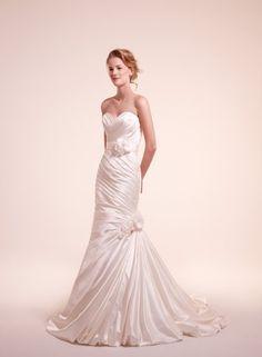 Alita Graham Wedding Dresses Photos on WeddingWire