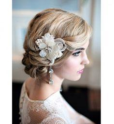 Idée coiffure de mariage : un chignon pour cheveux longs vintage