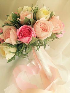 Yulia Melyantseva's photos Paper Flowers Craft, Crepe Paper Flowers, Flower Crafts, Paper Crafts, Bride Flowers, Diy Flowers, Flower Vases, Flower Arrangements Simple, Bunch Of Flowers