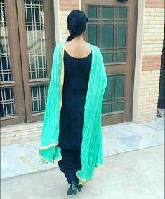 Preet Stylish Girl Images, Stylish Girl Pic, Patiala Suit, Punjabi Suits, Beautiful Girl Indian, Beautiful Girl Image, Crazy Girls, Cute Girls, Salwar Suits Simple