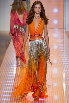 Versace Spring 2013 RTW - Review - Fashion Week - Runway, Fashion Shows and Collections - Vogue - Vogue