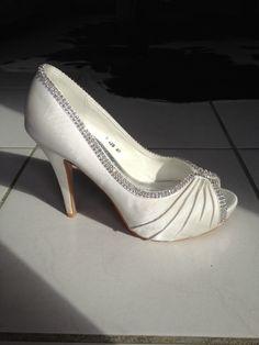 Chaussures Mariage en satin blanc d'occasion à Toulouse - Garonne (Haute)