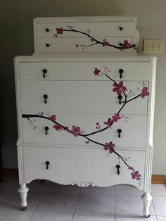 New upcycled furniture painted inspiration ideas Redo Furniture, Painted Furniture, Furniture Hacks, Repurposed Furniture, Recycled Furniture, Furniture Rehab, Furniture Inspiration, Vintage Furniture, Decoupage Furniture