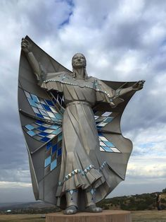 """A New Landmark In Chamberlain, South Dakota.  Artist Dale Lamphere, Titled """"Dignity,""""  Represents """"The Pride And Strength And Durability Of The Native Cultures."""""""