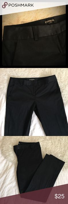 Express Columnist Ankle Pant size 6 Express Columnist Ankle Pant size 6 - low rise - Color: black. straight cut for ankle pant. Excellent condition, no rips, tears, stains. Bundle to Save! Express Pants Ankle & Cropped