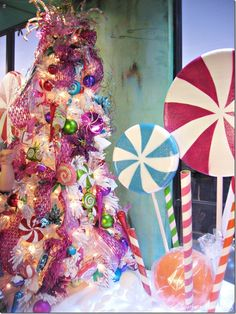 candy land christmas, only id prefer for it to be red and green. Candy Land Christmas, Grinch Christmas, Christmas Fairy, Christmas Mood, Christmas Gingerbread, Holiday Tree, Pink Christmas, Xmas Tree, Christmas Themes