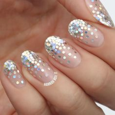 Check out our amazing collection of glitter ombre nails to get inspired. We will also show you all the latest trends in the world of manicure. Diy Nails, Cute Nails, Pretty Nails, Manicure Ideas, Pedicure Nails, Toenails, Gorgeous Nails, Beauty Tutorials, Video Tutorials