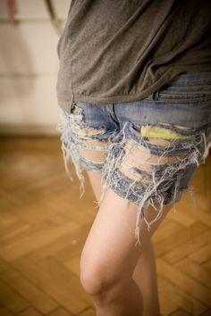 Ripped jeans. #DIY #jeans