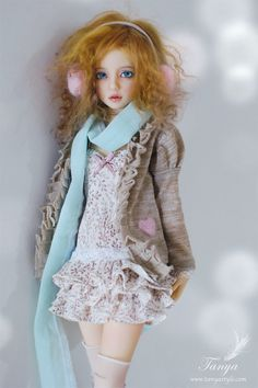 Ball jointed doll. I'm seriously obsessed with the realistic dolls .