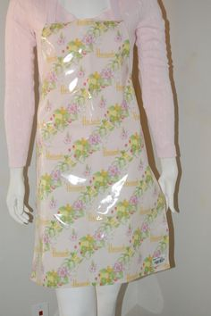 Vintage apron /  vintage Harrods by Cheapvintagefashion on Etsy, $19.50 https://www.etsy.com/shop/Cheapvintagefashion